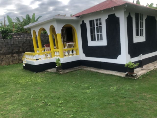 Miss Weir's Guest Cottage
