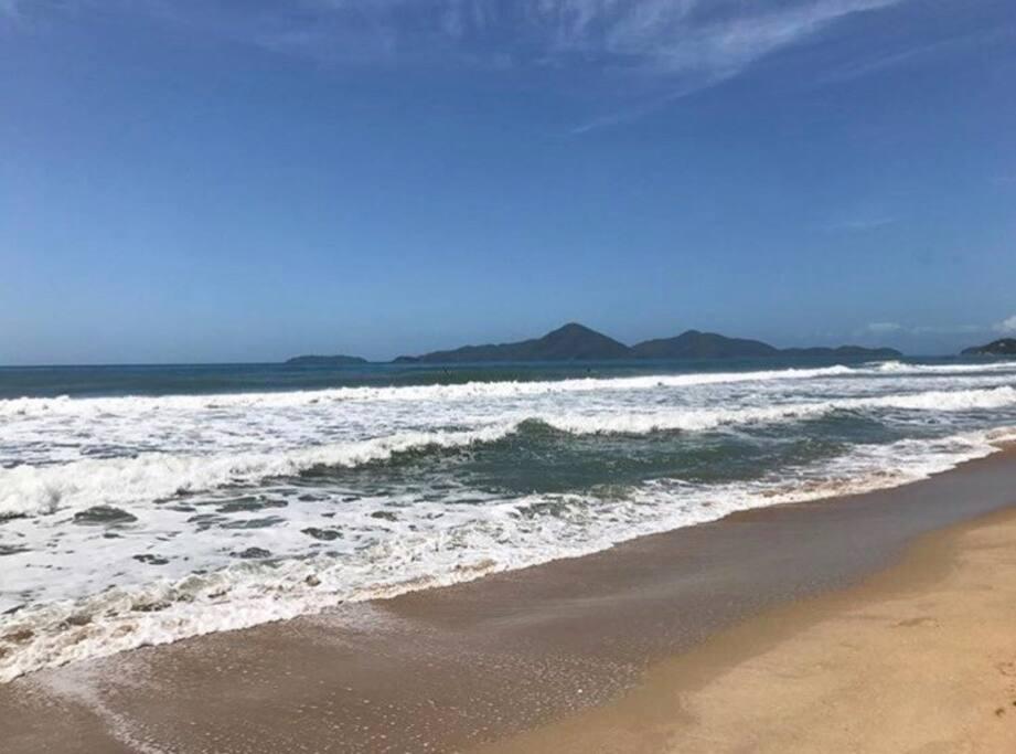 Praia Vermelha do Centro - canto direito
