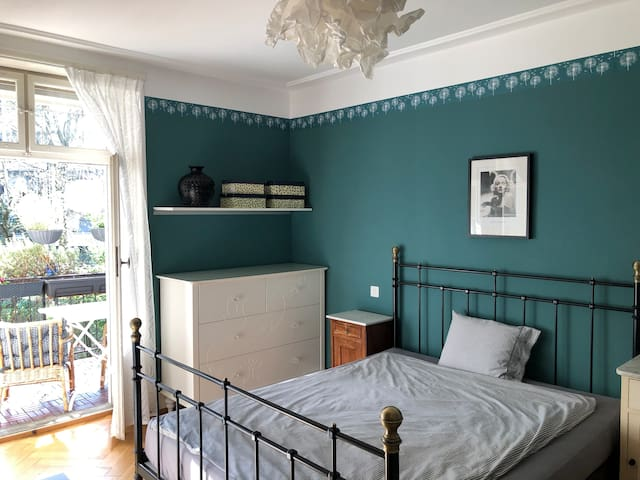 Cosy room in Basel, close to station and center