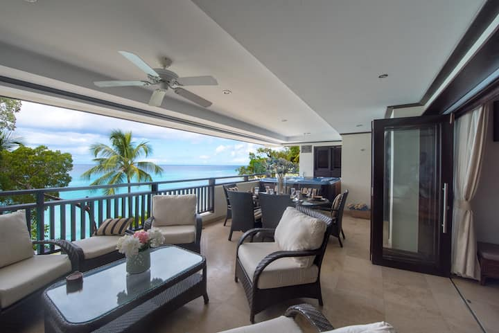 Coral Cove 12 | Luxury Apartment on the Beach