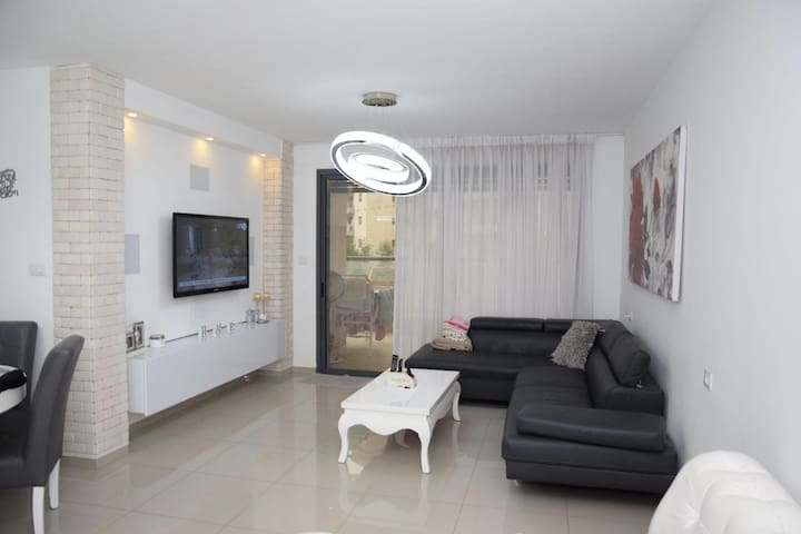 BEST LOOKING APARTMENT IN THE AFULA AREA