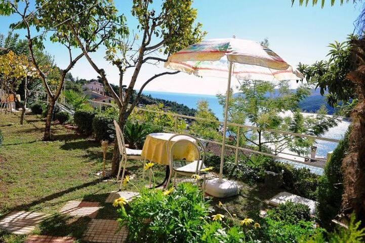 Apartmánové studio s terasou a výhledem na moře Rabac, Labin (AS-12368-b)