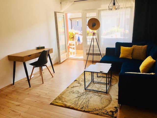 Lotus Studio - modern, cozy, chic & silent
