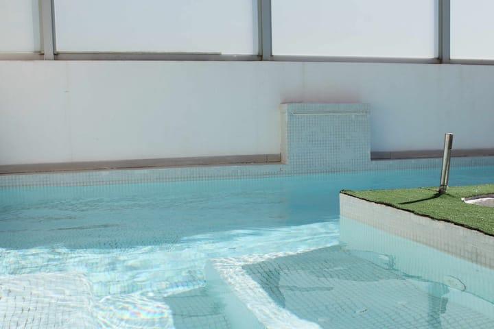 C30 | Casa dúplex con piscina privada y vistas al mar
