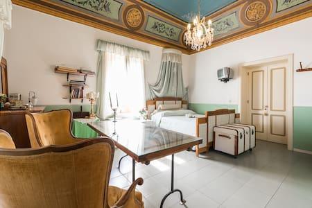 Camera Giuliana vista mare a Salina - Leni