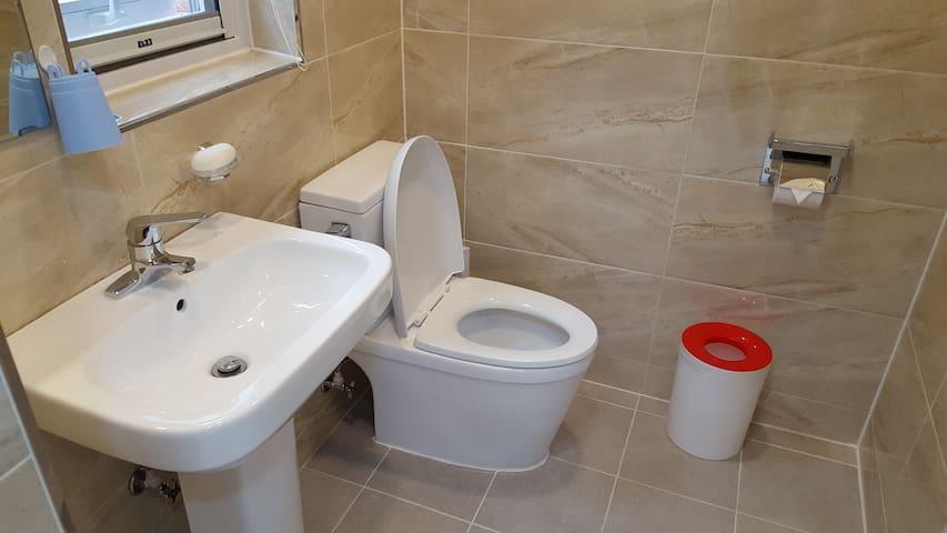 청결을 최우선으로 생각하는 화장실