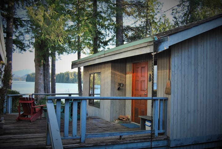 Cedarwood Cove Cabin - Coastal Waterfront Retreat