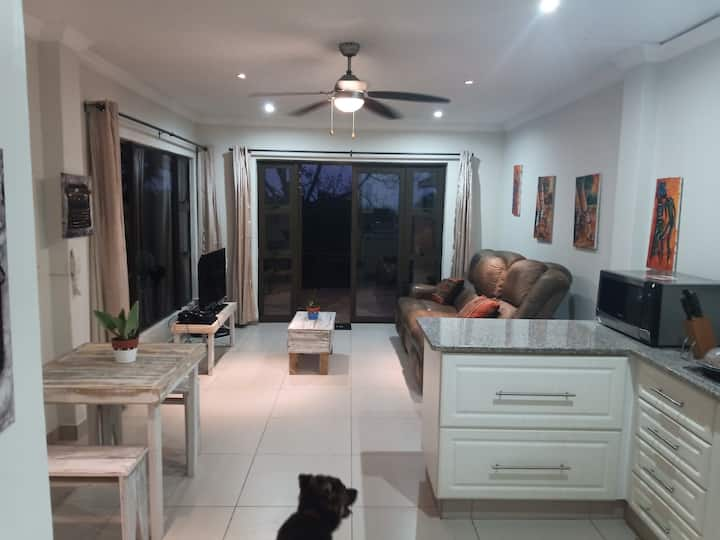 The Fölscher Ballito Seaview Cottage, Netflix, Pet
