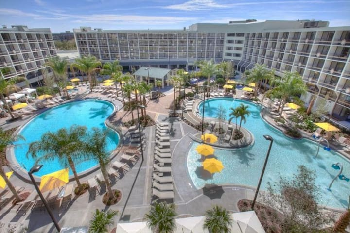 GREAT DISNEY VACAY FOR 4, POOLS, SPA