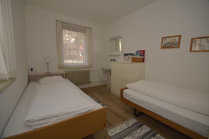 Budget Zweibettzimmer mit Gemeischaftsbad