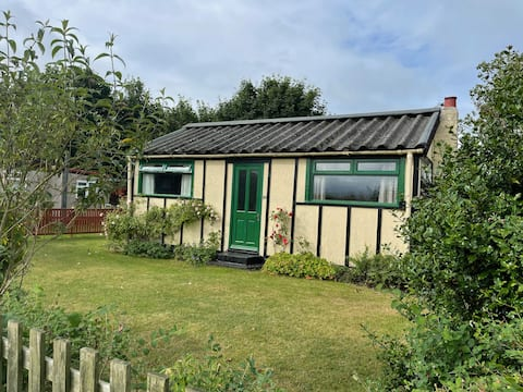 Traditional seaside chalet -  Humberston Fitties