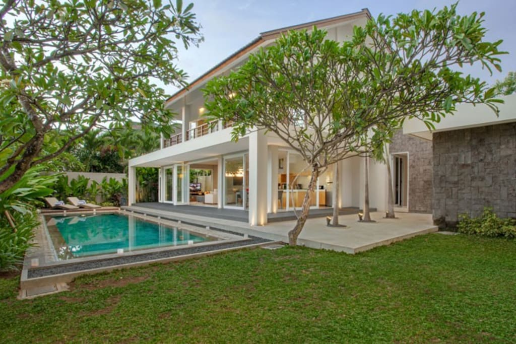4 Bedroom Pool Villa near Canggu Club