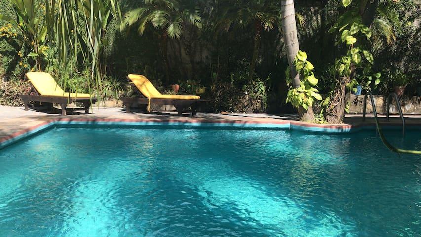 Doble con vista a la piscina