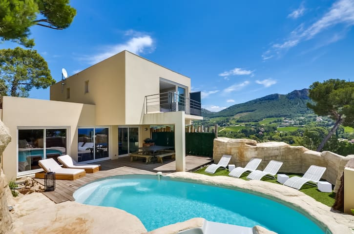 ---JUST IN CASSIS--- Maison 4* vue panoramique mer