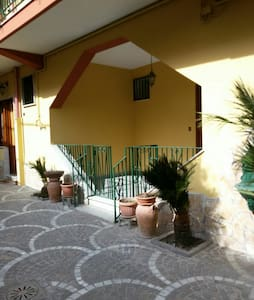 Affittasi appartamento per 2 person - Qualiano - Appartement