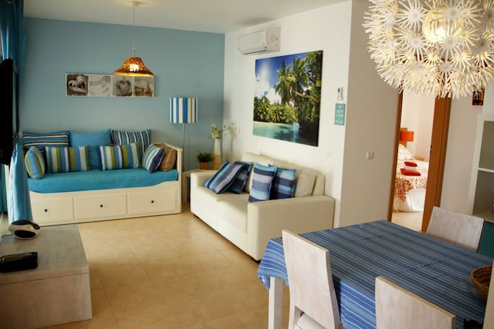 Luxury T2 Beach apartment with pool