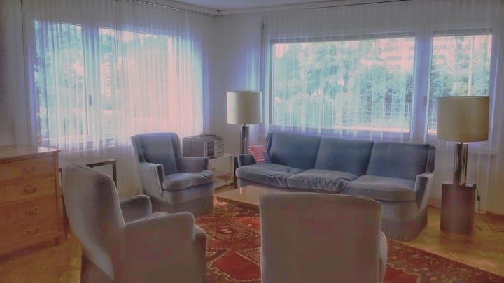 Grosse komfortable Wohnung, nahe Stadt und Natur