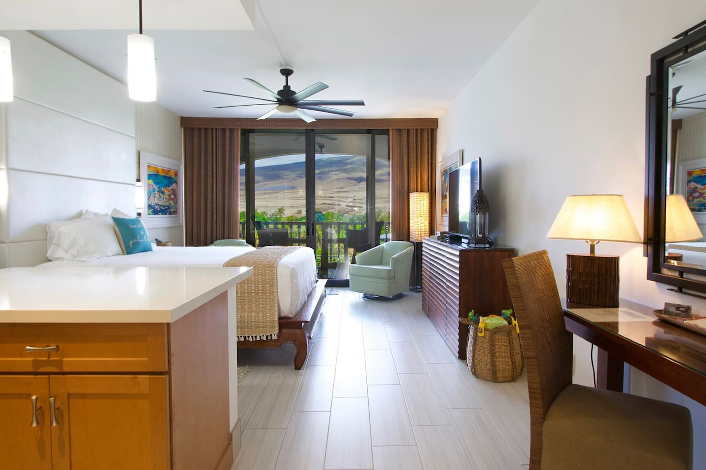 Fully Updated Studio Condo with West Maui Mountain Views!