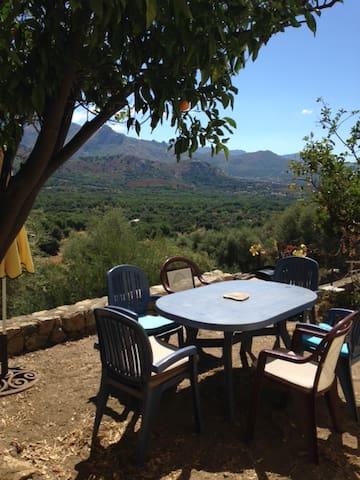 Agréable maison de village - Cassano