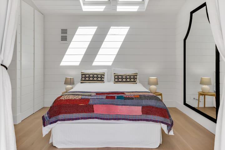 Guest Suite (Upper Level)