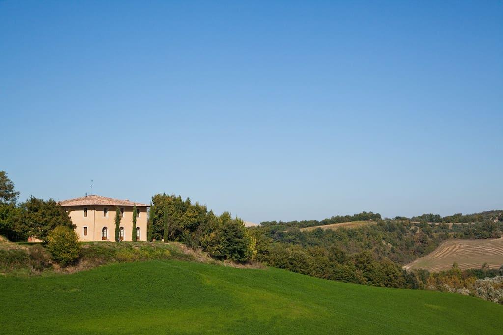 Particolare della Villa vista dalla strada