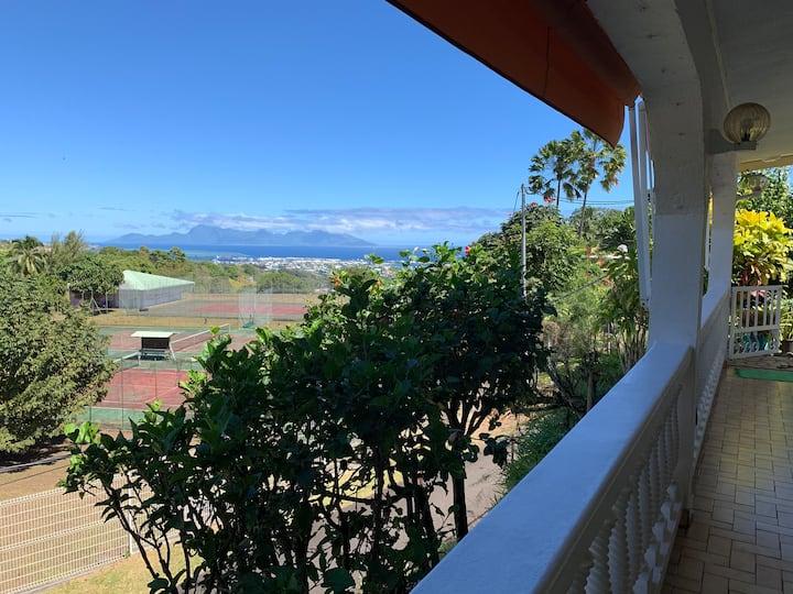 Rava Rava Tahiti Erima Hills Lodge