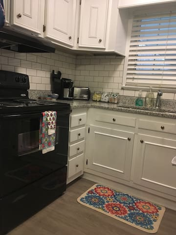 Oven/Stove and Keurig