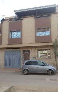 Maison accueillante et ensoleillé - Oujda - Rumah