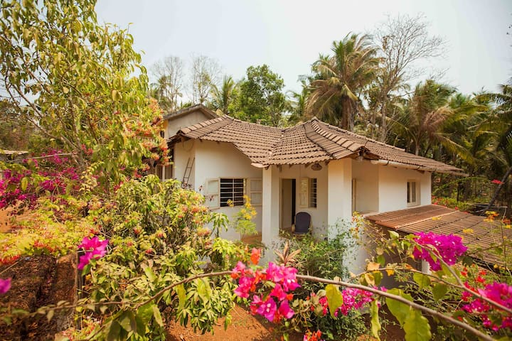 Stylish 2 BD House near Palolem and Patnem beaches - Canacona - Hus