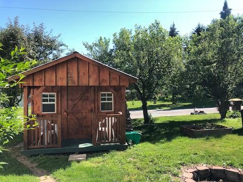 Simple Cabin  University Hill miniFarm & Sanctuary