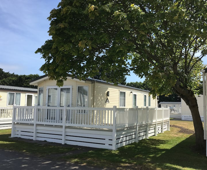Shorefields Country Park - Mobile home