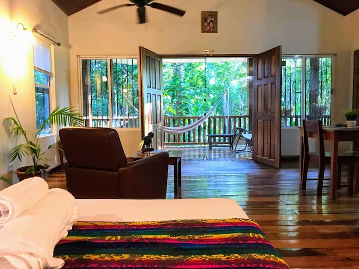 Monkey Falls Jungle Cabin #1 w/ AC, kitchen & wifi