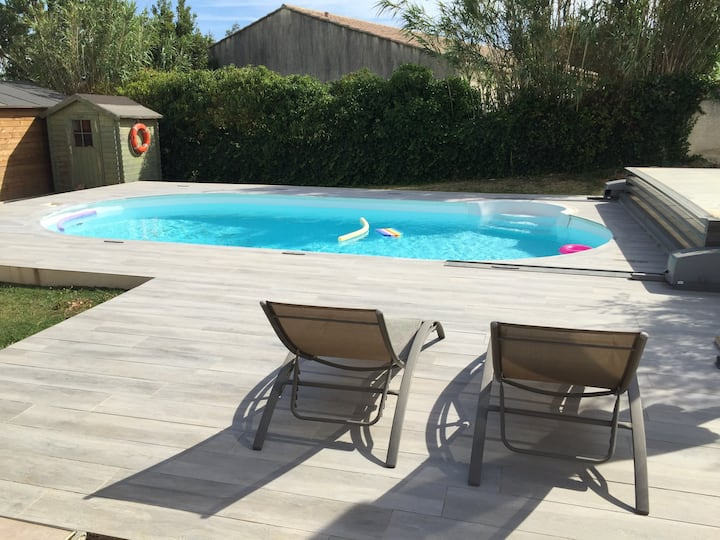 Chambre privée dans maison avec piscine sécurisée