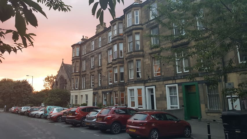 10minute walk,Edinburgh City centre