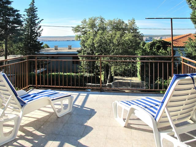 Holiday Apartment Visnja for 4 persons in Jadranovo