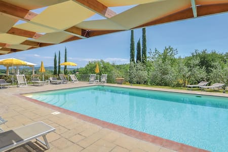 Holiday apartment with 2 bedrooms on 70m² in Bucine (AR)
