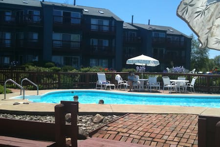 Beautiful Condo on Lake Erie - Genebra - Apartamento