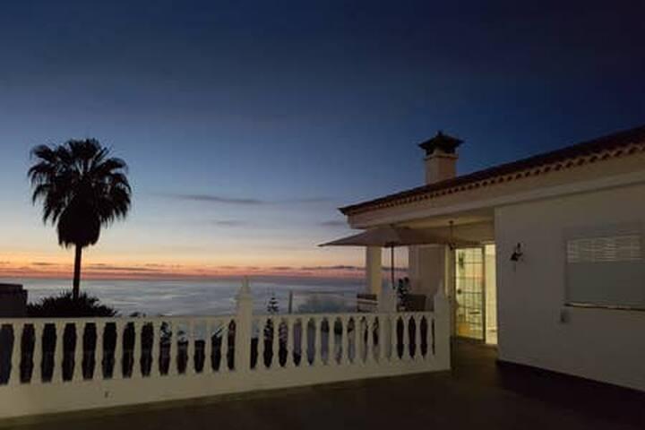 Atardecer panorámico / Sunset panoramic view