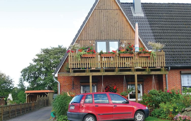 Holiday apartment with 2 bedrooms on 90 m² in Gelting