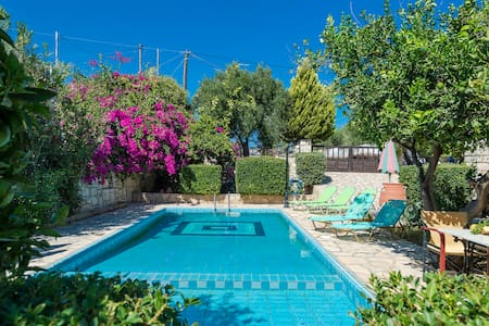 Villa Melini, 2 BD, private pool - Sfakaki - Villa