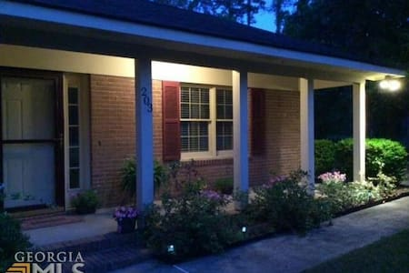 Great for visiting your student! - Statesboro - House