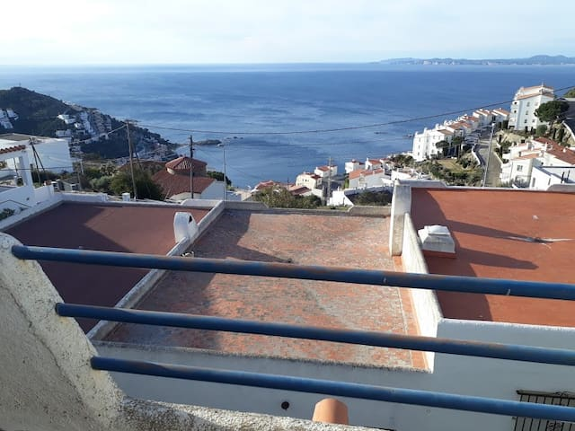 Great Seaview flat, two bedrooms