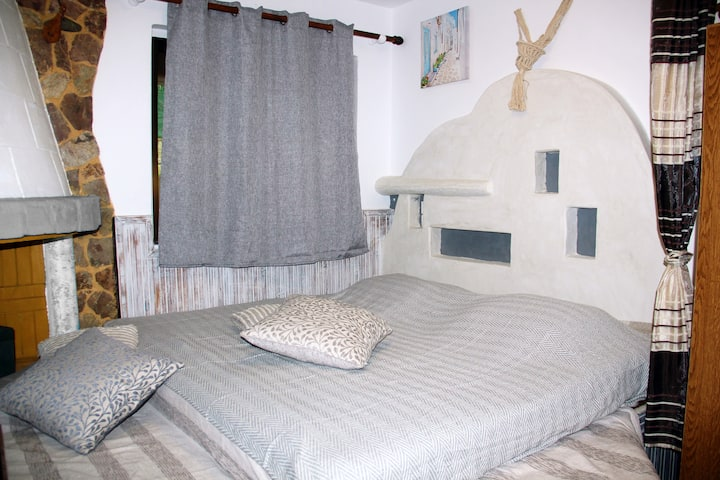Apartment 40m from sea-Sofas