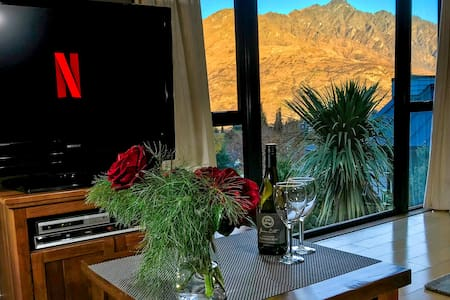 Remarkables View. Self contained flat to sleep 2