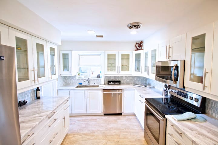 Beautiful 3/2 home near everything - Fort Lauderdale - Huis