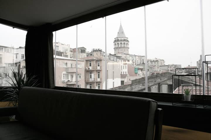 Penthouse w/ Stunning Galata Tower & Old City View