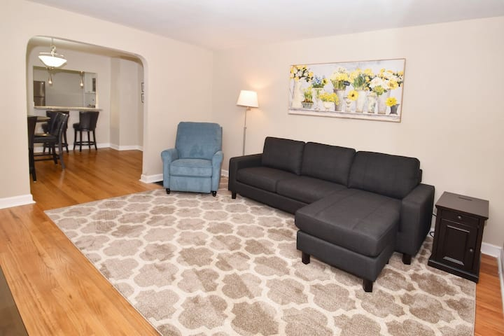 In The Heart of Blue Ash II- Close to Kenwood Mall
