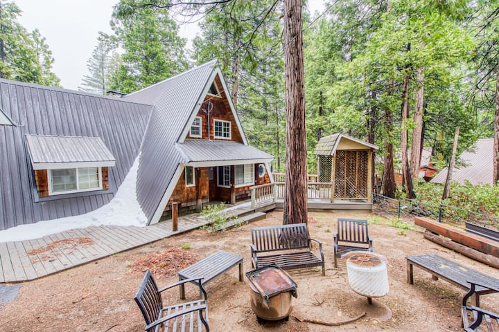 Inviting rural cabin w/modern design & near outdoor activities - dogs ok!