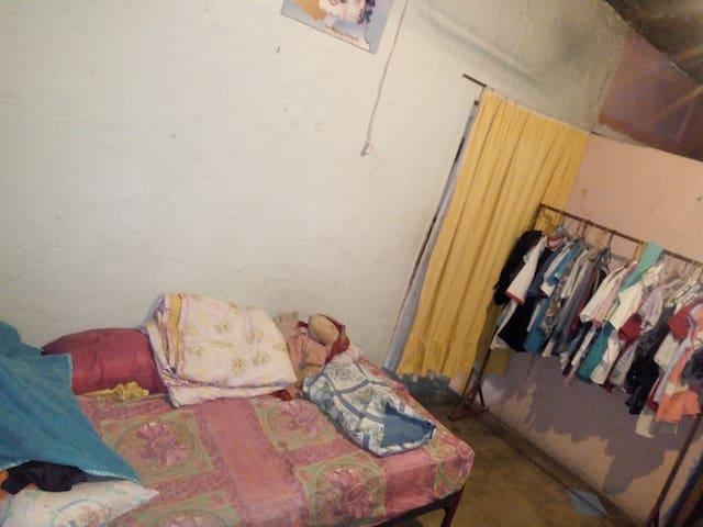 Se alquila Habitación cómoda