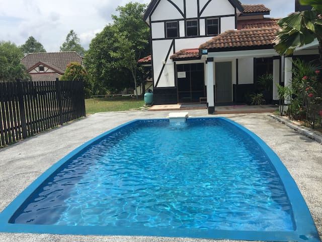 4 Bedroom Villa  Private Pool in A Famosa Resort